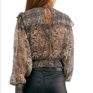 Free People Snake Print Back Cut Out Top 😱😍